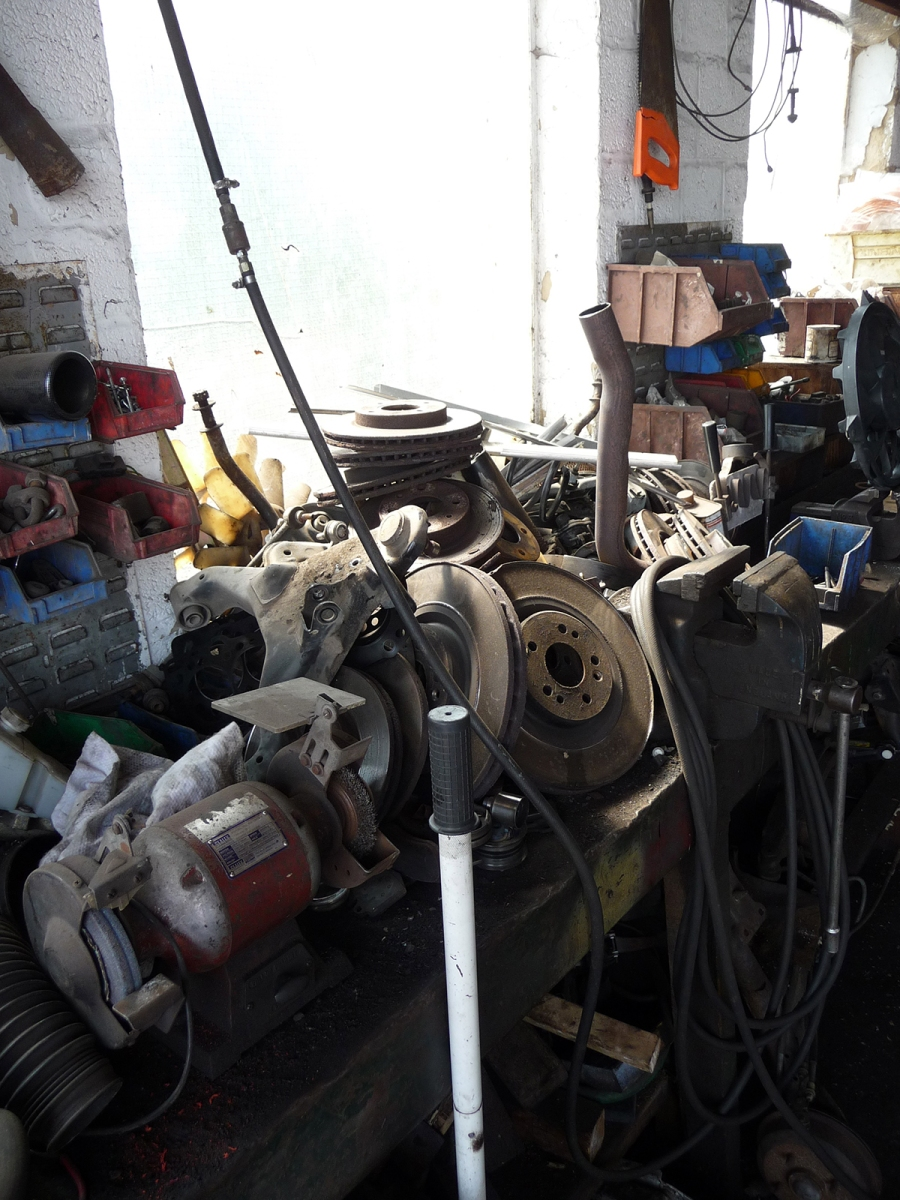 garageblokedetritus