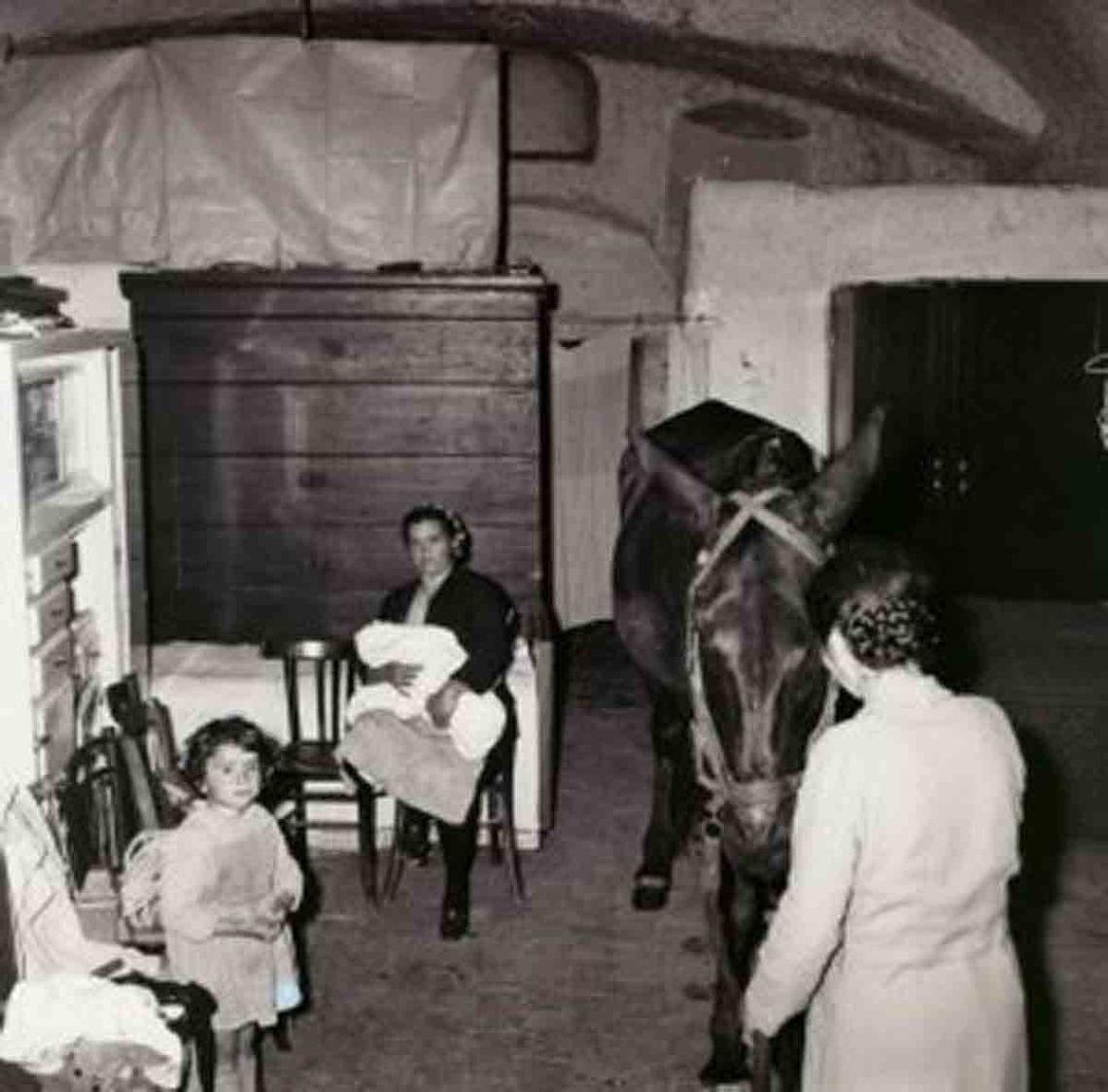 interno-di-una-casa-dei-sassi